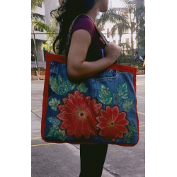 'RED APPLIQUE BAG'